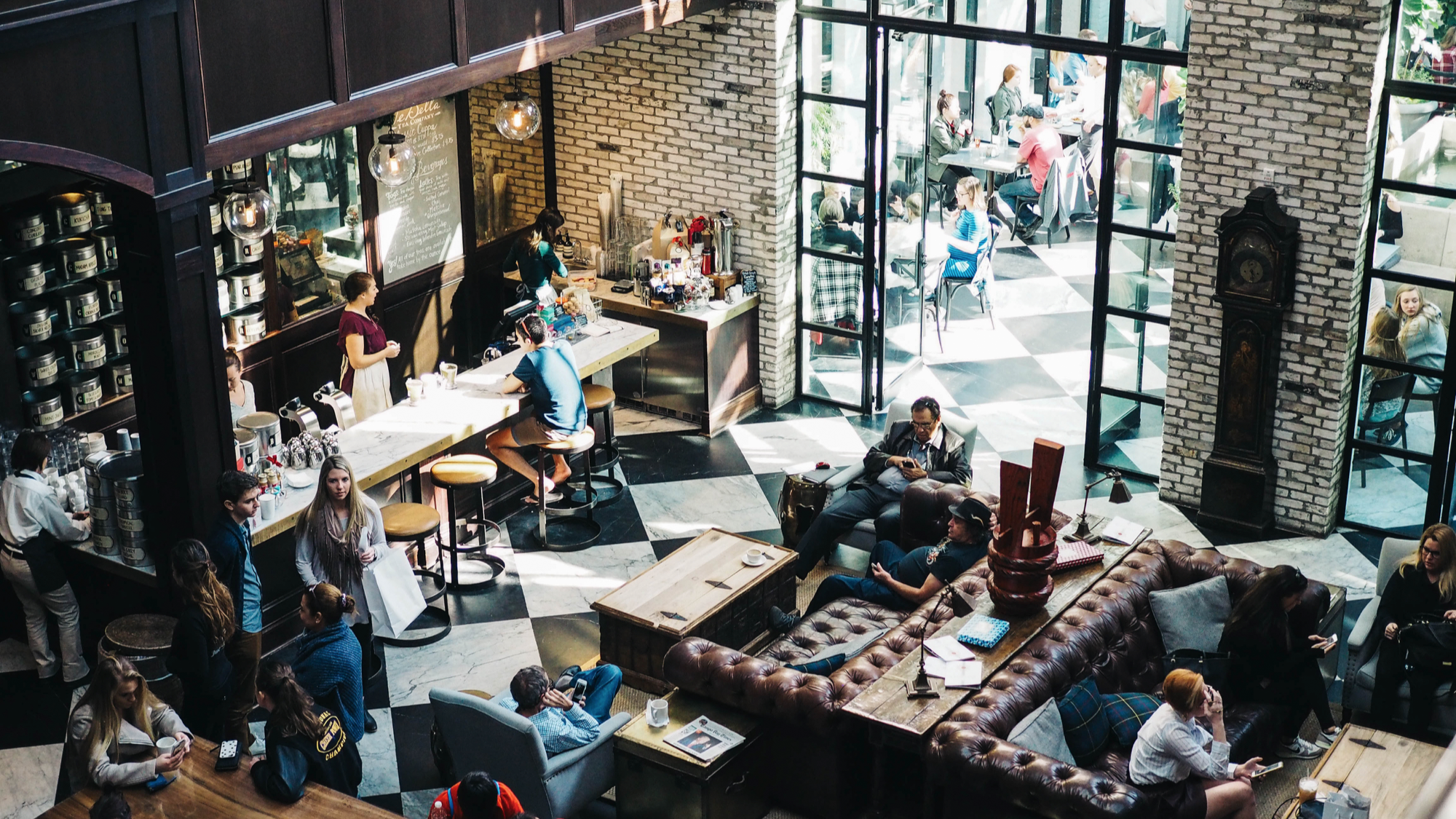 Restaurant Digital Crossroads: The Race to Meet Guest Expectations